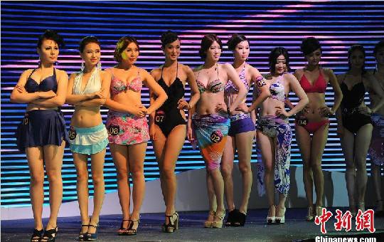 第三届国际胸模大赛决赛在安徽合肥举行