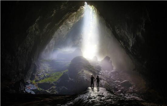 探秘世界最大洞穴越南韩松洞 洞内可容40层高楼