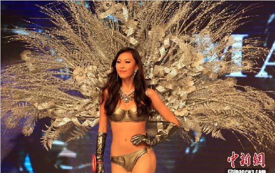 环球小姐中国区总决赛上海举行 佳丽上演性感内衣秀
