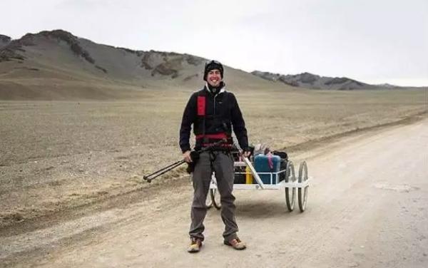 英国小伙阿什计划徒步挑战长江 用一年从青藏高原走到上海