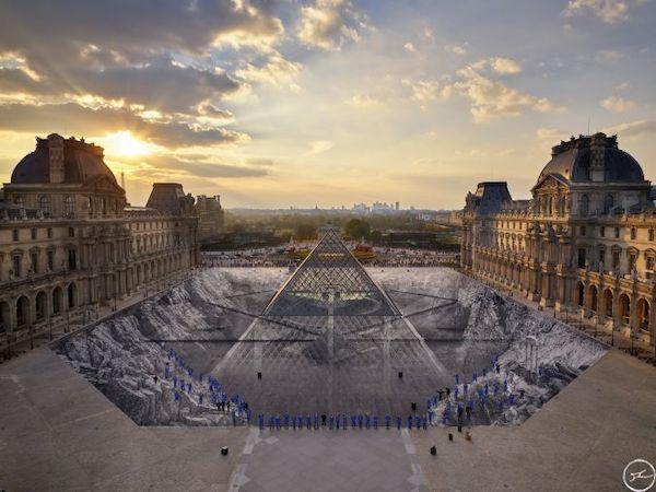卢浮宫玻璃金字塔塌陷?还是一次转瞬即逝的视觉艺术?